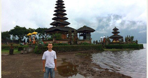 Храм Улун-Дану Бали