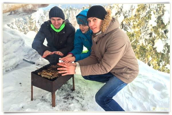 Пикник в каменном городе зимой