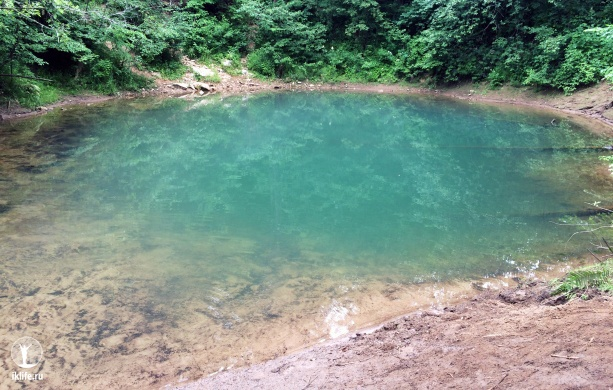 где находится озеро голубое