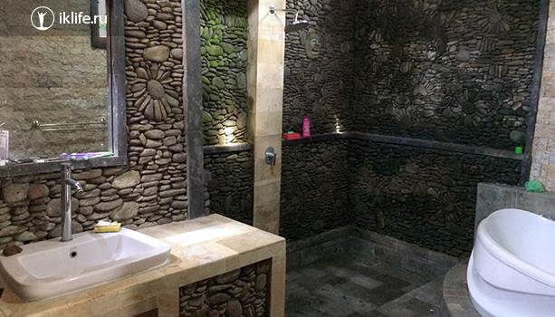 ванная в доме на Бали