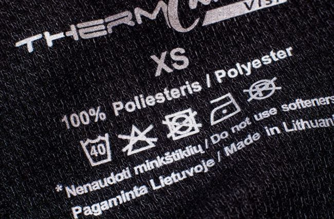 Ярлык на футболке