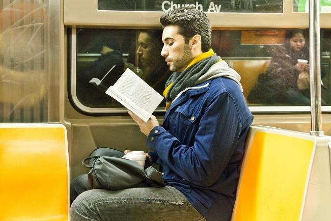 Человек в метро