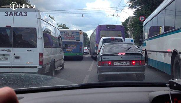 Продолжительная автодорога до работы